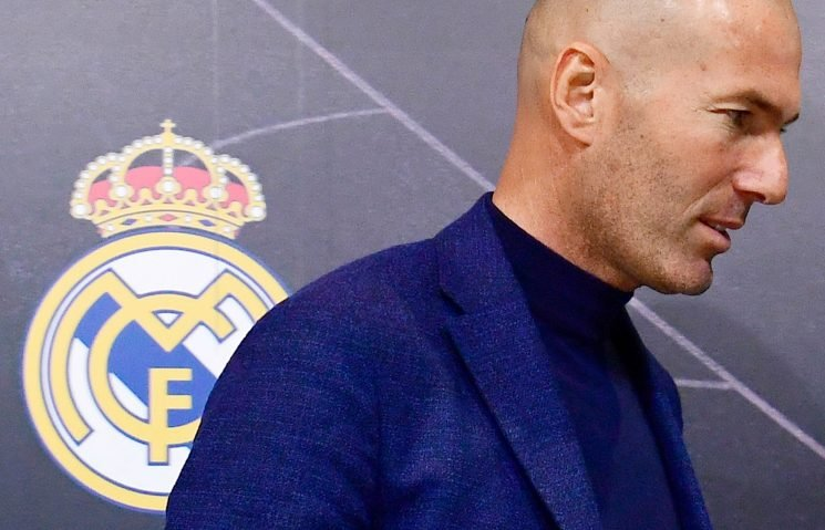 Zidane 'rejects Real Madrid plea to urgently take over' but Chelsea's top target 'open to summer return'