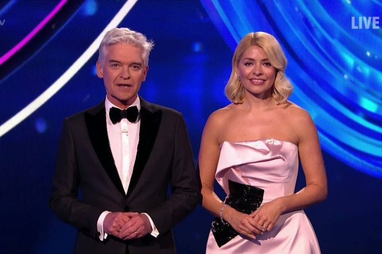 Dancing On Ice final 2019 sparks 'fix' claims as voting opens BEFORE finalists have skated