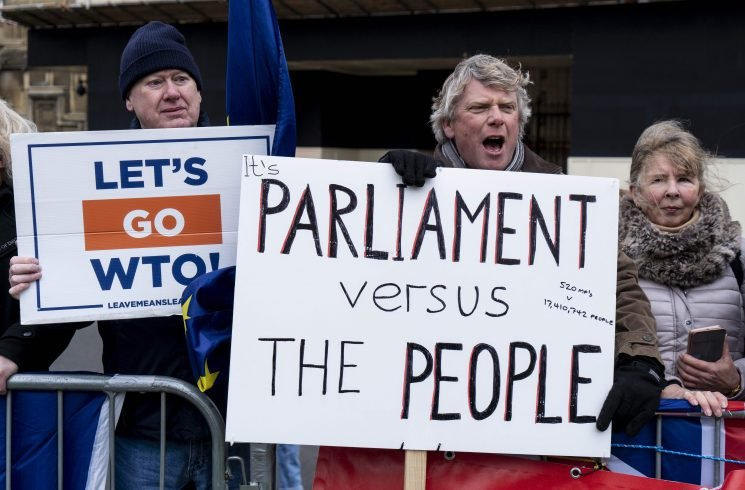 Brits say NO to a Brexit delay and want MPs to vote it DOWN tonight