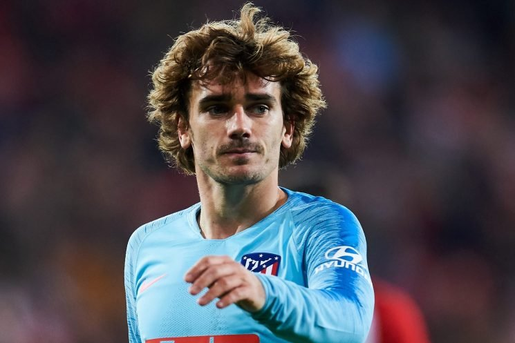 Griezmann 'apologises to Barcelona for snubbing transfer and begs for summer move'