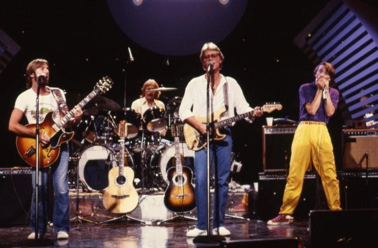 Flashback: America Play a Hazy 'Sister Golden Hair' in 1980