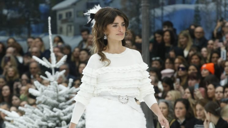 Penelope Cruz leads Chanel's first show after Karl Lagerfeld's death