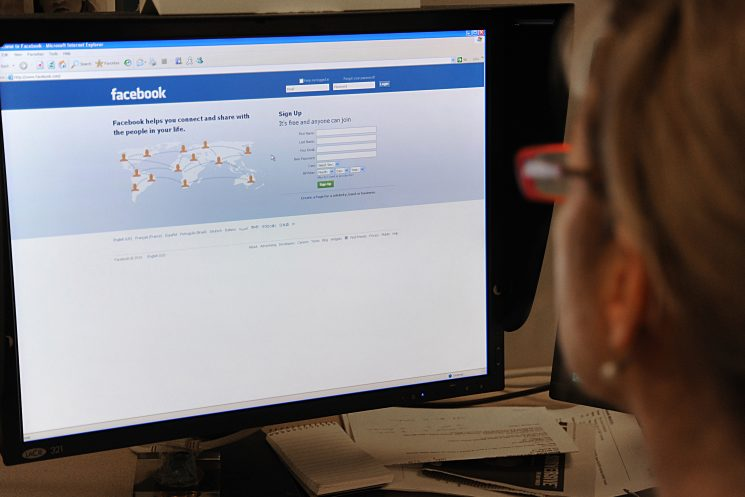 Facebook down for some as global outage drags into second day
