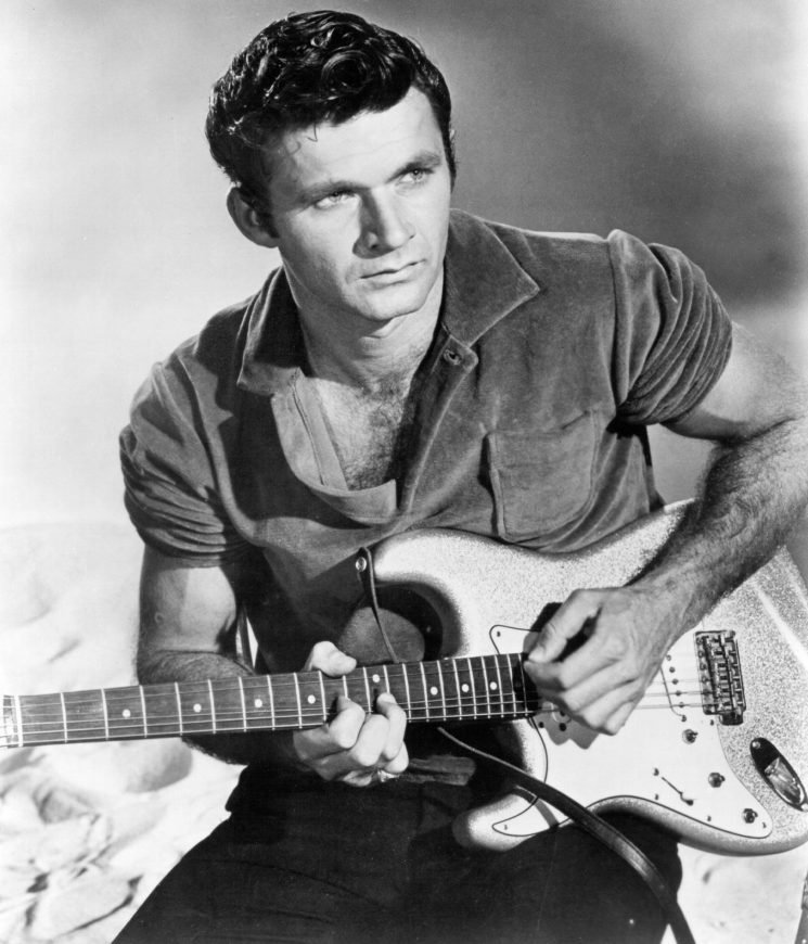 Surf rock legend Dick Dale reportedly dies at 81: 'It's a sad day for rock 'n' roll'