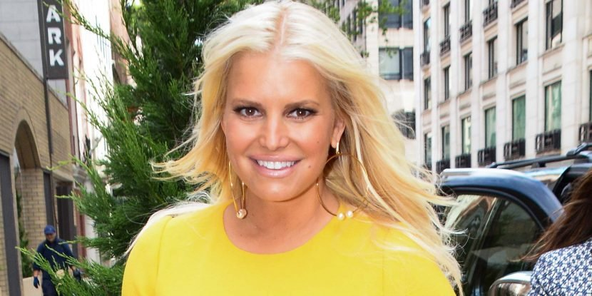 Jessica Simpson Just Shared A Photo After Giving Birth To Her Nearly 11-Pound (!!!) Baby Girl