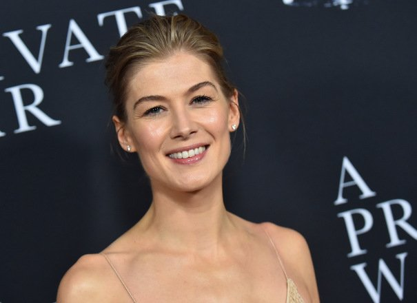 Rosamund Pike To Star In Legal Guardian Thriller 'I Care A Lot' For 'The Imitation Game' Outfit Black Bear