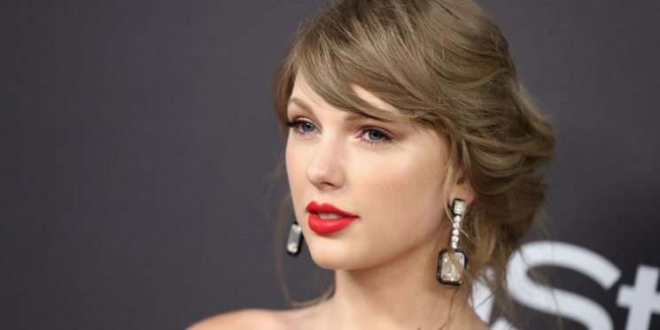 Taylor Swift Just Revealed She Takes L-Theanine For Anxiety—But Does It Work?