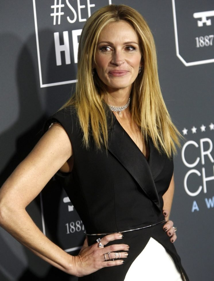 Julia Roberts on the college scammers: Kids need to learn 'important life skills'