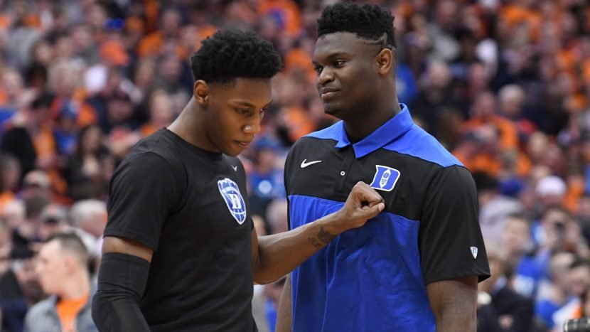 Opinion: Zion Williamson wants to play, so he should play. The doubters don't matter