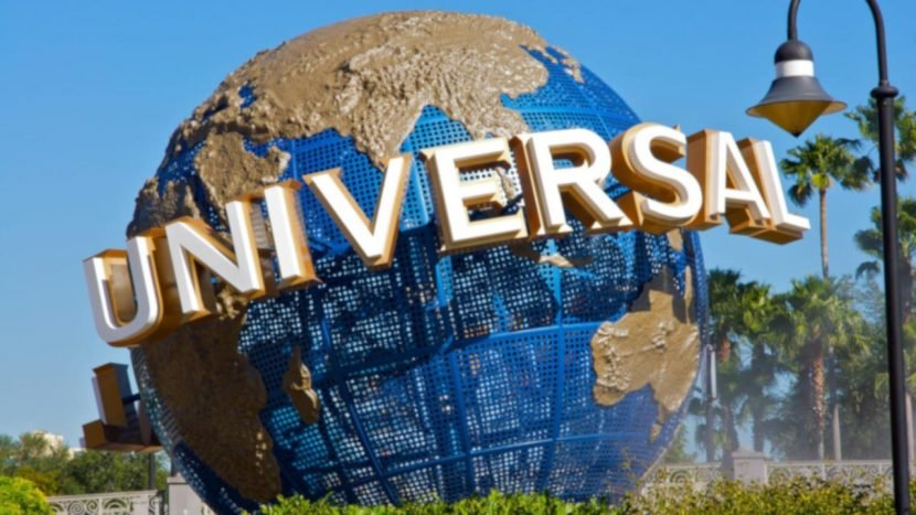 Boy's foot was crushed on Universal Studios' E.T. ride, lawsuit claims