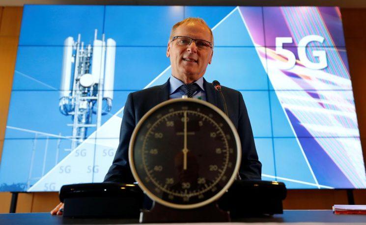 Germany kicks off 5G mobile spectrum auction