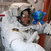 Spacemen on the way to Mars will have to wear swimming goggles