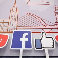 Facebook tests combining Stories and News Feed in one carousel