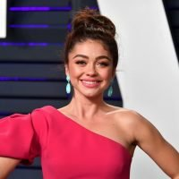 Sarah Hyland Is Rocking Her Natural Curls & She Looks SO Different