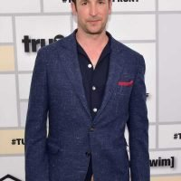 Noah Wyle Revealed How He Has Kept In Touch With His 'ER' Castmates