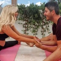 Bachelors in Paradise! Arie and Lauren Soak Up Bermuda for Babymoon