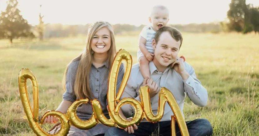 Kendra Duggar Rocks Tiny Baby Bump 1 Week After Pregnancy Announcement