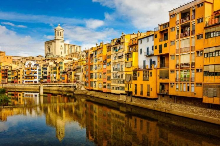 Girona is perfect for a Spanish football weekend – but Game of Thrones fans will have a ball too