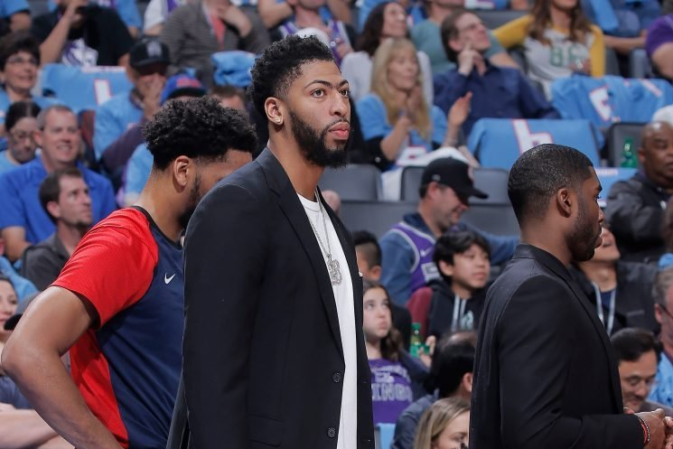 Anthony Davis appears to say bye to Pelicans with shirt