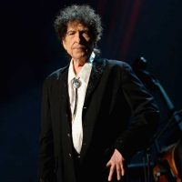 Bob Dylan Tells Fans to Put Their Phones Away During His Concert: 'We Can Either Play or Pose'