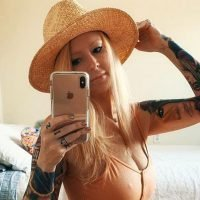Jenna Jameson's 'First Meal of the Day' Involves Hamburger