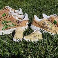 Boy Meets Breadsticks! Olive Garden Gets Custom Shoes Made for Danielle Fishel's Son on the Way