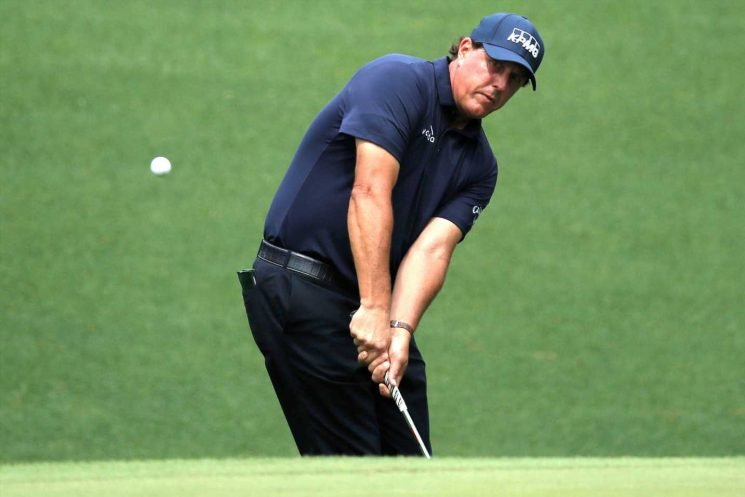 Phil Mickelson in the hunt and loving every minute of it