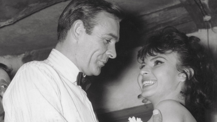 Nadja Regin, Bond Girl in 'From Russia With Love' and 'Goldfinger,' Dies at 87