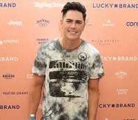 'Vanderpump Rules' Star Tom Sandoval Spills On Selena Gomez & Miley Cyrus' Fun Nights At TomTom