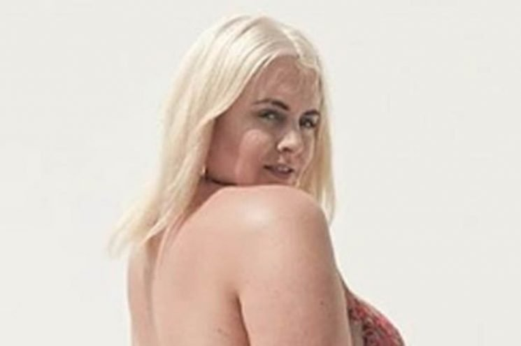Plus size model Felicity Hayward poses COMPLETELY naked in sizzling snap: 'Fine as hell'